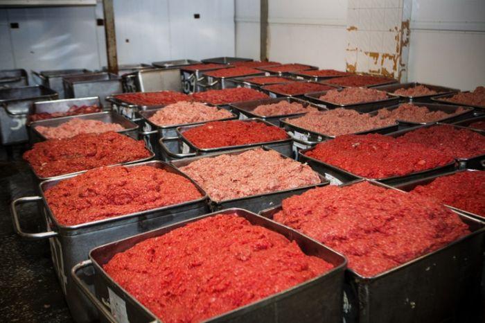Как делают колбасу в